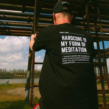 Gabba Clique T-shirt meditation wit | zwart